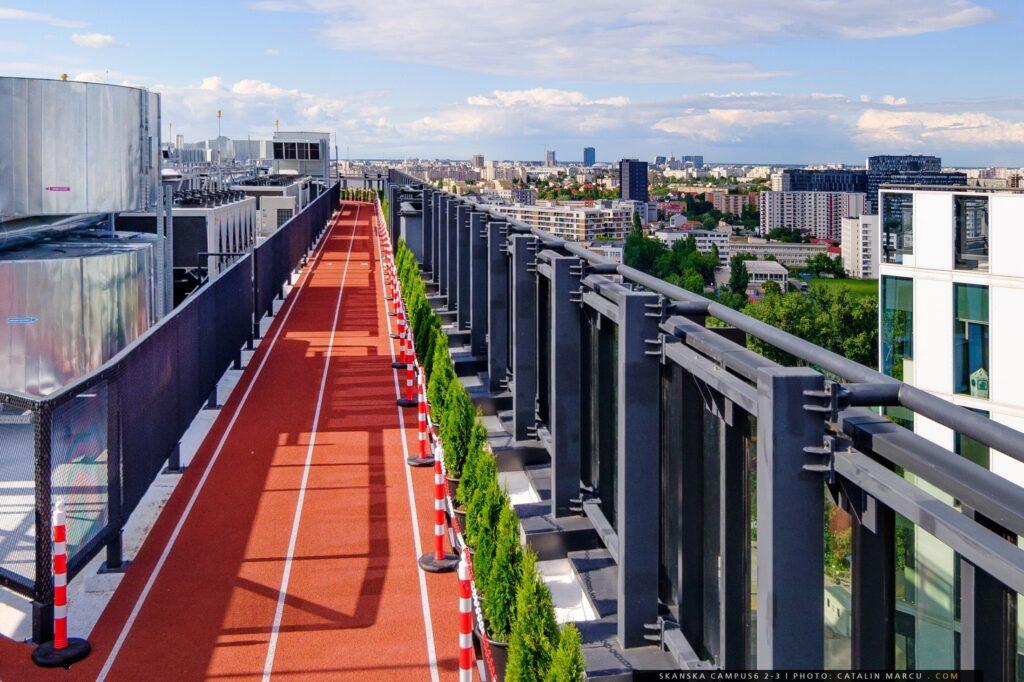Rooftop track on Skanska building